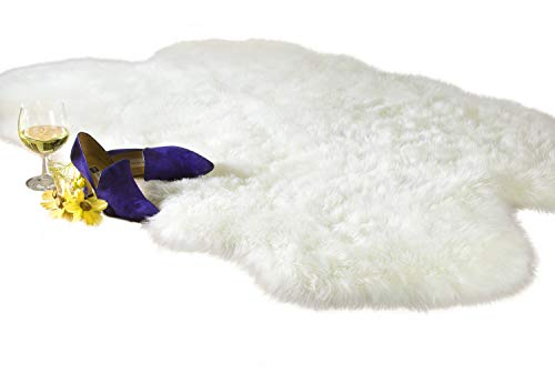 Chesserfeld Luxury Faux Fur Sheepskin Rug, White, 4ft x 6ft with Thick Pile, Machine Washable, Makes a Soft, Stylish Home Décor Accent for a Kid's Room, Bedroom, Nursery, Living Room or Bath