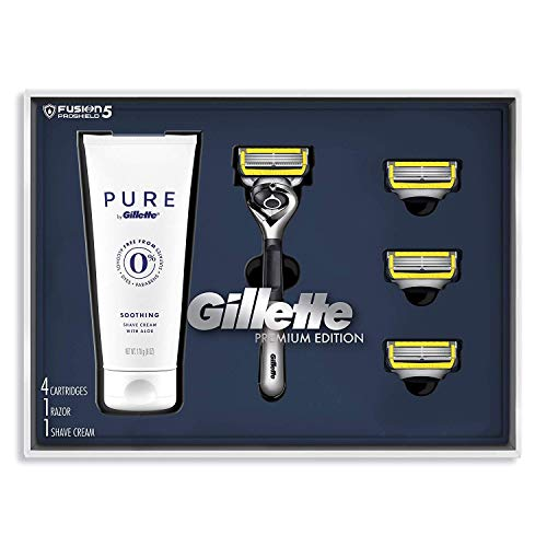 Gillette Fusion Proshield Shave Gift Set for Men - 8 Fusion Proshield Blade Refills,1 Razor Handle