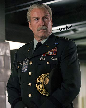 WILLIAM HURT (The Incredible Hulk) 8x10 Male Celebrity Photo Signed In-Person