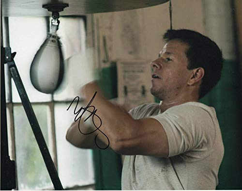 MARK WAHLBERG SIGNED AUTOGRAPH 11x14 PHOTO - FIGHTER, TED, THE DEPARTED, DONNIE