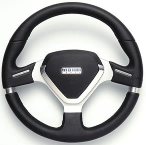 MOMO Millenium EVO Steering Wheel - Custom Style Auto Steering Wheel - Millenium EVO